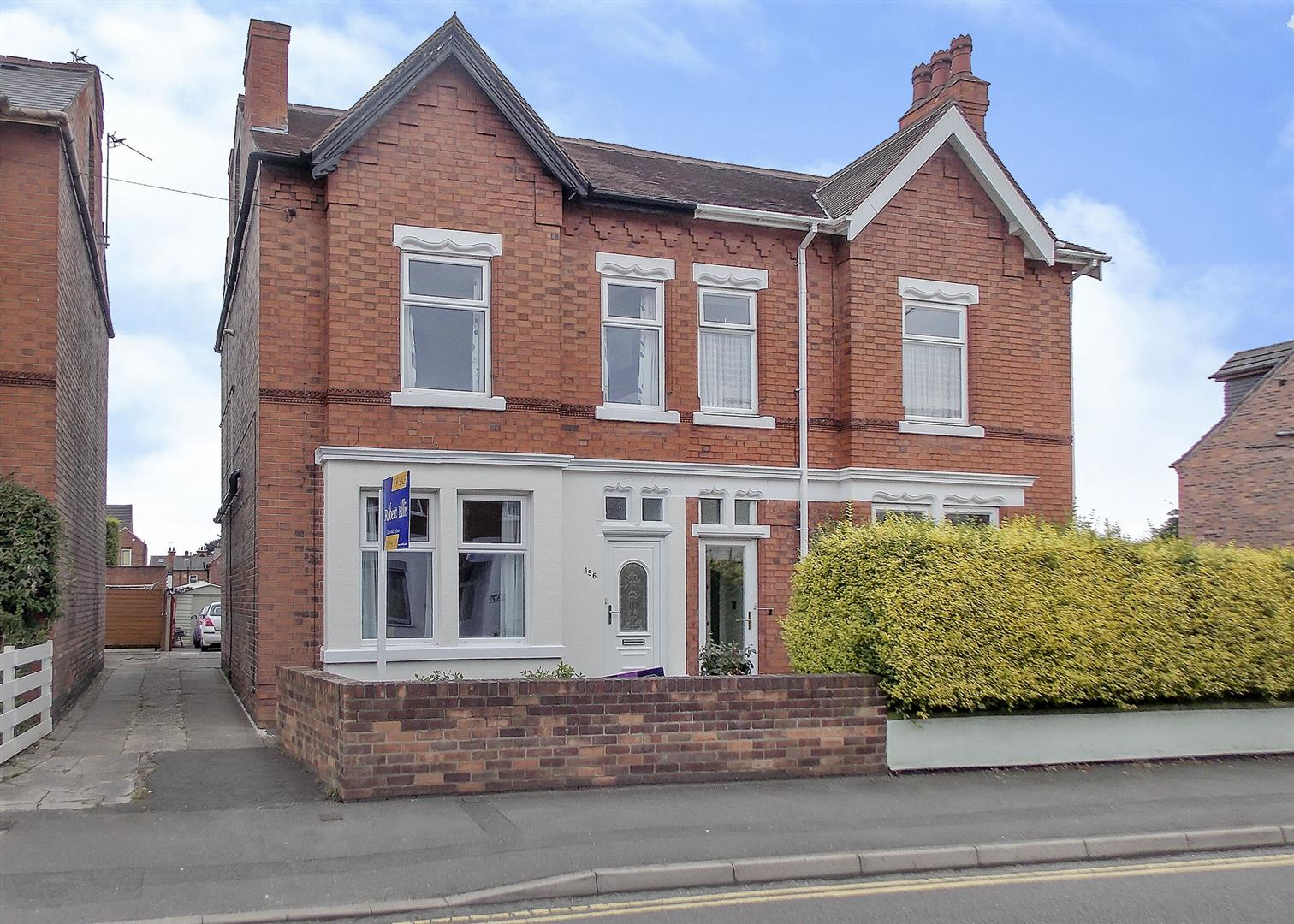 4 Bedrooms Semi Detached House for sale in College Street, Long Eaton